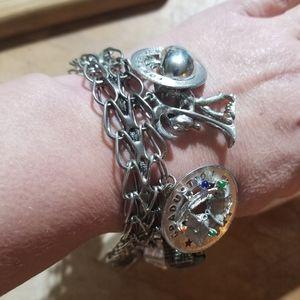 Beautiful Vintage Sterling Silver Charm Bracelet